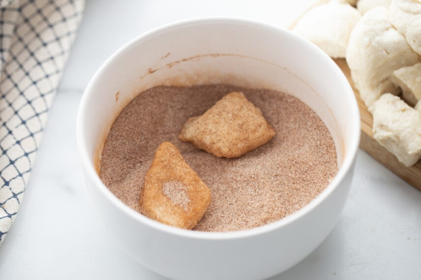 Biscuit pieces in cinnamon and sugar