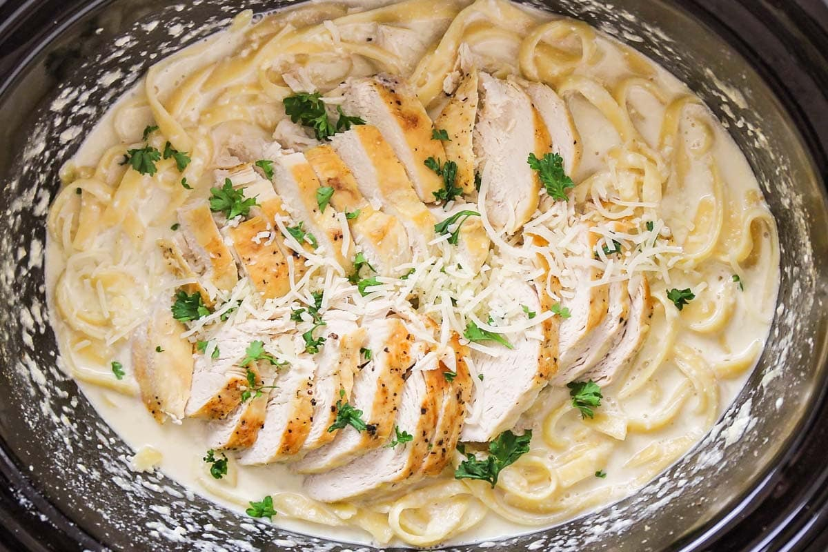 crock pot chicken alfredo in a pot